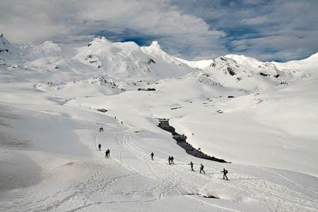 Montañeros entrando al valle